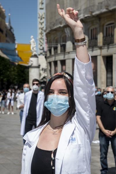 Protesta de una residente en el centro de Madrid (José Luis Pindado)