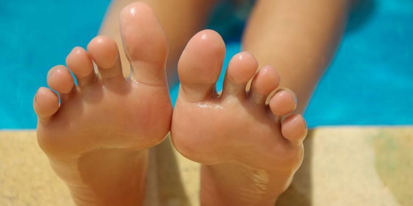 Dolor en el dedo menique del pie derecho
