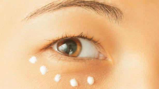 e7432a58f8 La piel del contorno es la zona más frágil del todo el rostro, con lo que  se refleja fácilmente cualquier alteración.